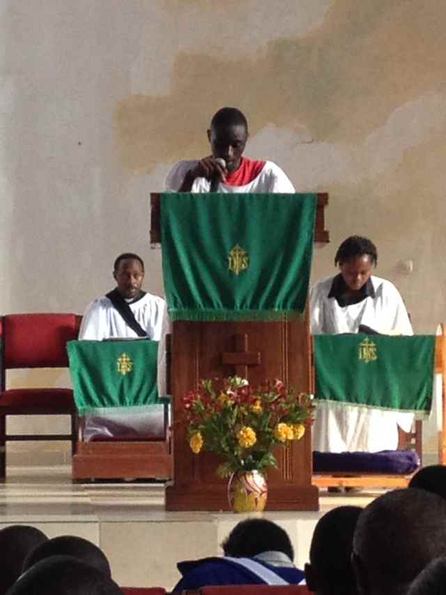 Nkurunziza reading the Scripture at church